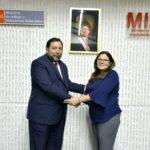 Gobernador se reunió con Ministra de la Mujer para coordinar acciones frente a riesgo por lluvias y desbordes