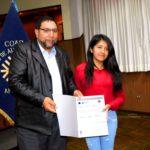 Gobernador Regional entrega diploma de bachillerato internacional a egresados del COAR Apurímac