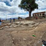 Hallan fuente de agua de más de 500 años en construcción de Plaza Central en Cocharcas