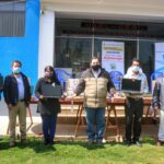 Gobernador de Apurímac entrega laptops y equipos multimedia del proyecto TIC a estudiantes de Grau