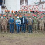 Ejército Peruano apoya instalación de mangueras en zona de deslizamiento de Chamanayoc para mitigar polvareda