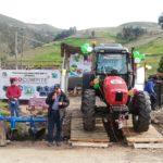 Gobernador Regional entregó tractor agrícola a ganadores del PROCOMPITE en comunidad Tahuantinsuyo de Pacucha