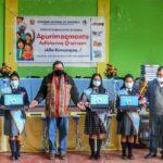 Gobernador de Apurímac entrega laptops y equipos del proyecto TIC a estudiantes de Challhuahuacho y Tambulla en Cotabambas