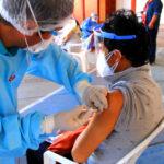 Fluidez en proceso de vacunación para personas de 55 a 59 años a nivel regional